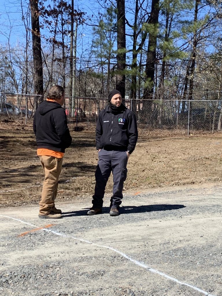 PROJECTS RF USA. Image 3. Our staff interacting with station staff (03/06/2019)