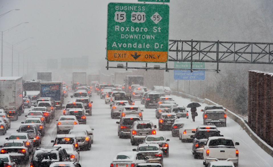 PROJECTS RF USA: Image 1. highway in the middle of a snowfall. (www.wsbradio.com - Apr2019)