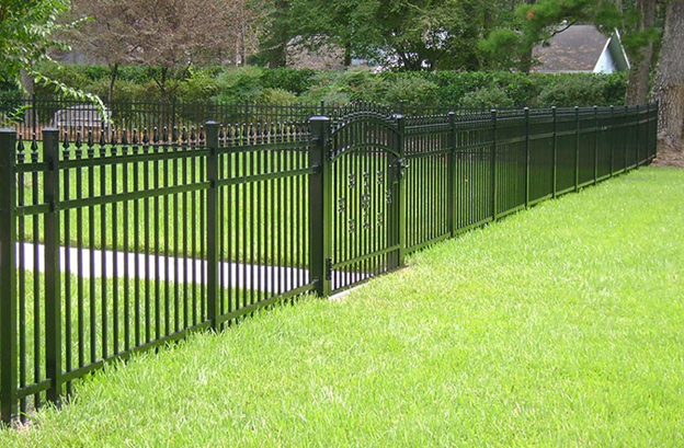 Image 5. Ornamental metal fence with sober and elegant design (Internet - Aug2019) PROJECTS RF USA