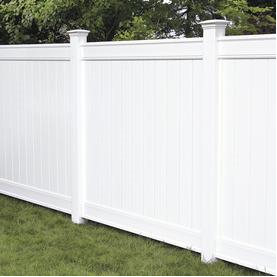 Image 3. Vinyl fence in a totally closed style (Internet - Aug-2019). PROJECTS RF USA